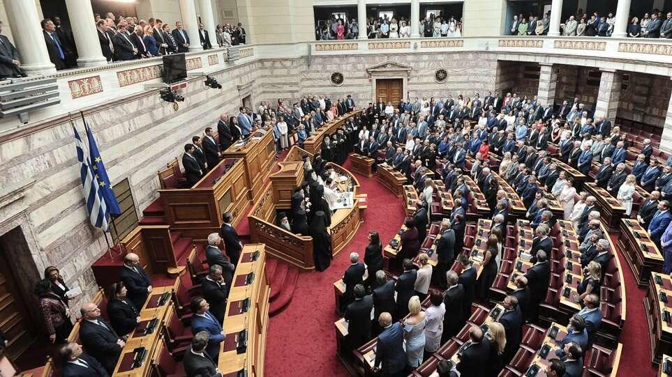 Ορκίστηκε ο Βουλευτής Α΄ Πειραιά και Νήσων, κ. Νικόλαος Μανωλάκος-photos