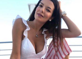 Η Νικολέττα Ράλλη φοράει μικροσκοπικό μπικίνι στην Μύκονο και ..πέφτει το instagram-photo