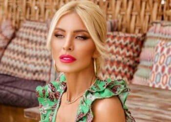 Ζάκυνθος: Η Κατερίνα Καινούργιου με ΚΟPΔΟΝΙ στο ΝΑΥΑΓΙΟ θα σας βυθίσει στην ΑΜΑPΤΙΑ!